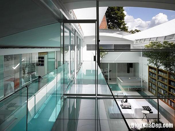 9d058927d7c3ec40aa426b3a5776e810 Ngôi nhà bằng kính với thiết kế không gian mở hiện đại và thoáng đãng