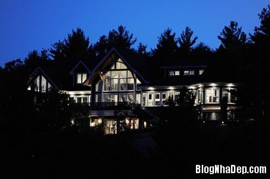 ba8436fee926435651d1b618d70d1b9f Ngôi nhà gỗ ấn tượng tại Canada