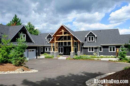 d1dbd5e0fc64f01c70bf84d3334170c6 Ngôi nhà gỗ ấn tượng tại Canada
