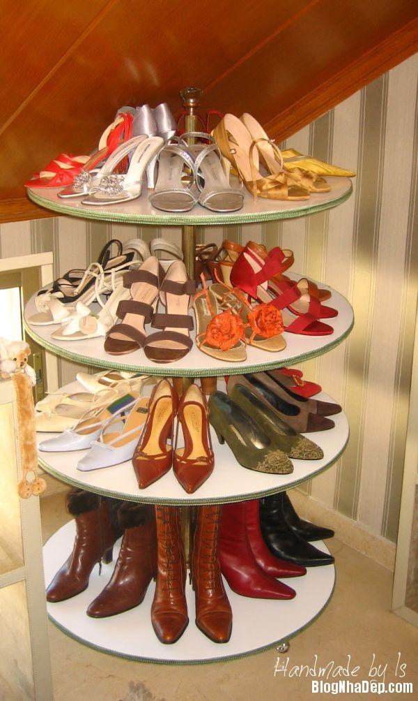 3fcb045c70df86acb33aa2fbb4dc2f95 Thiết kế chỗ đựng giày khá xinh và lạ từ cầu thang cũ hay tấm ván cũ