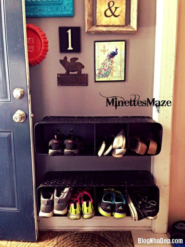 c25d198e51c8cd8ea7781797a9aba528 Thiết kế chỗ đựng giày khá xinh và lạ từ cầu thang cũ hay tấm ván cũ