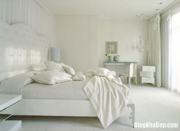 6b04f840fec0ef91ad3291cf37c8ee05 Phòng ngủ dịu dàng với tông màu trắng