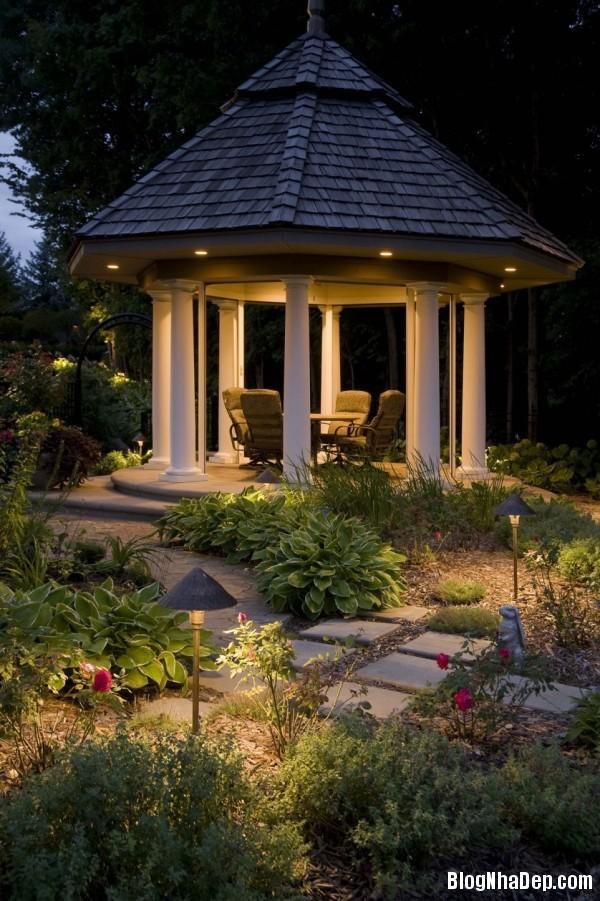 b314b1044459adfb3af57e8cfb7fb35f Bố trí hệ thống chiếu sáng lung linh huyền ảo cho khu vườn