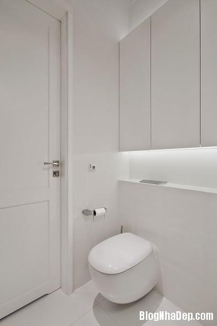 Toilet24 Căn hộ penthuose sang trọng với gam màu trắng