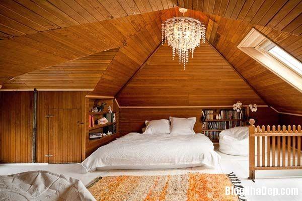 3dc4254e93f249bf00f1db5105410a11 Thiết kế phòng ngủ trên tầng áp mái