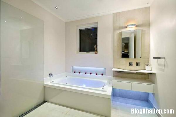 4c1705e98c44cafa61ad04edc9845160 Phòng tắm sang trọng với trang thiết bị hiện đại