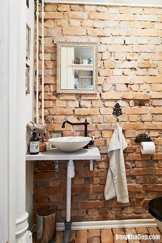 4de1b3a3d42ce7a5bece44f21bdc66e2 Nhà tắm đẹp mộc mạc với tường gạch