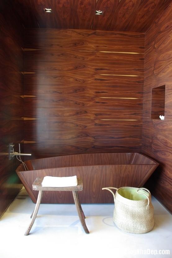 b4976b2c3a221a80a38b73973e12beaf Ấm cúng với phòng tắm làm từ gỗ