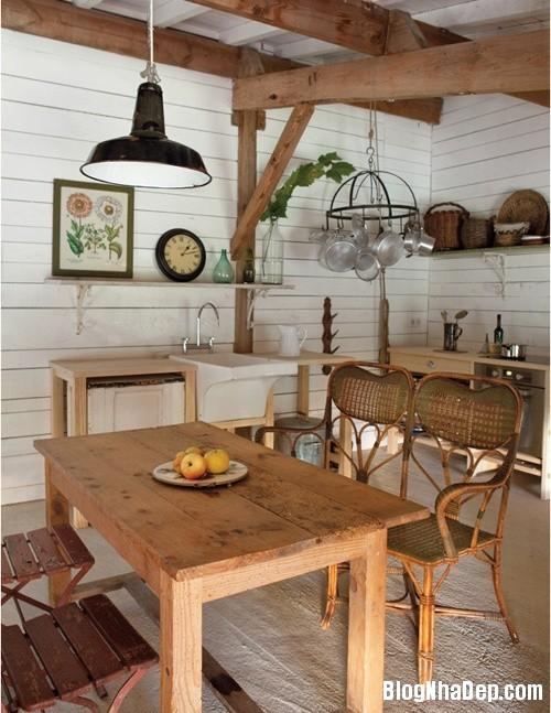200c6ca464f5fe845148ec2929dd7402 Phòng bếp ấm cúng và thân mật được xây từ nhà kho
