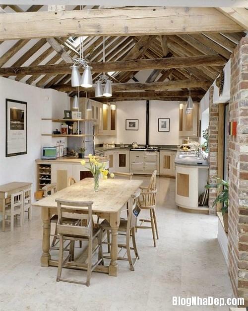 4f9c775ac0d7bbcf8b5132add36c6627 Phòng bếp ấm cúng và thân mật được xây từ nhà kho