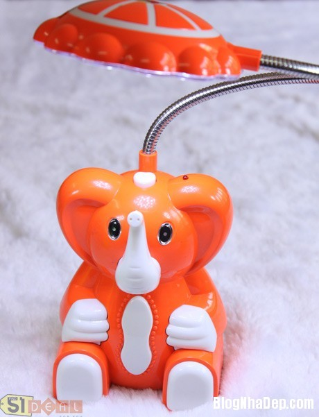 den 10 1340706747 Mẫu đèn bàn với thiết kế lạ mắt và sáng tạo