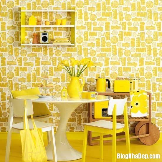 diningroom 5 1369827180 Ngôi nhà mùa hè rực rỡ với sắc vàng
