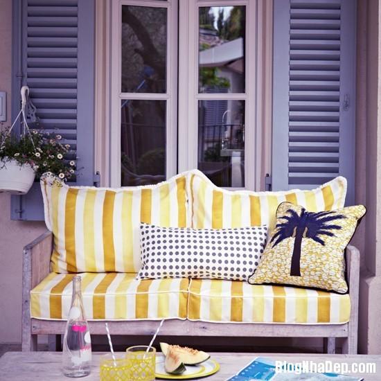 diningroom 7 1369827202 Ngôi nhà mùa hè rực rỡ với sắc vàng
