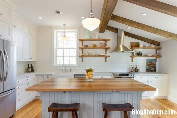 17Tuong20bep201509261517234553 Bếp đẹp sang trọng với bức tường màu trắng