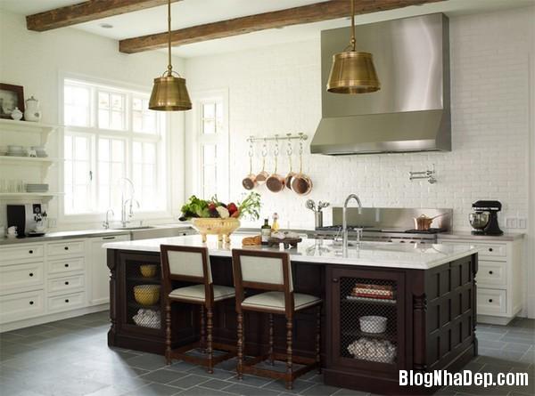 3Tuong20bep201509261510039142 Bếp đẹp sang trọng với bức tường màu trắng