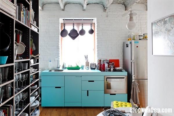 6Tuong20bep201509261511351344 Bếp đẹp sang trọng với bức tường màu trắng