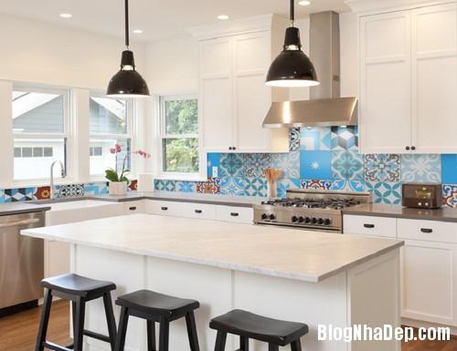 20160406160426 gach bong 3 Nhà bếp sáng bừng với gạch bông có họa tiết rực rỡ