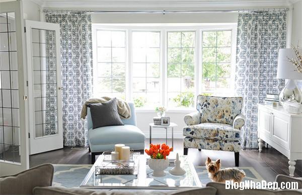 image003 3 Phòng khách rực rỡ với sắc hoa
