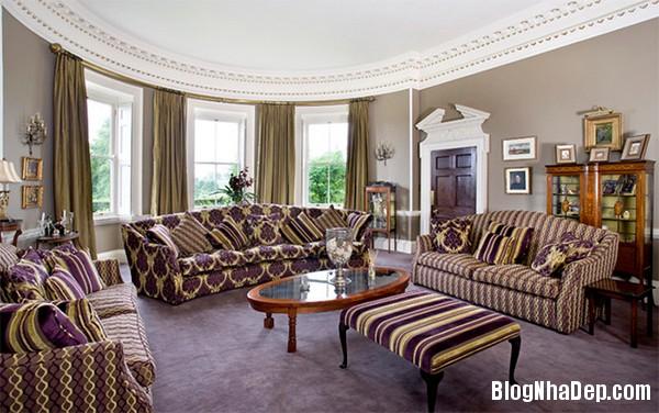 image017 1 Phòng khách rực rỡ với sắc hoa