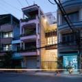 ngam-nghia-ngoi-nha-pho-dep-voi-he-khung-rong-hinh-lap-phuong-doc-dao-1-600x600